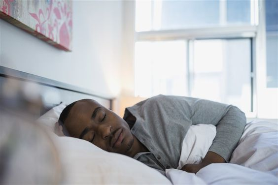 alváskövetés